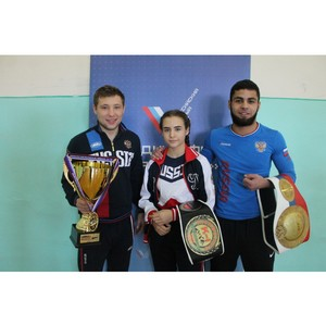 Активисты ОНФ провели акцию «Зарядка с чемпионом» для школьников Волгограда