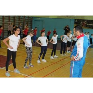 ОНФ в Амурской области организовал для благовещенских школьников акцию «Зарядка с чемпионом»