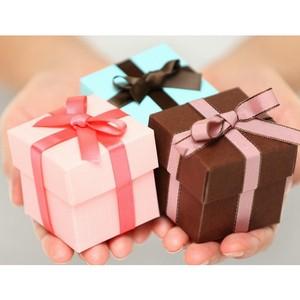 Минтруд направил письмо в госструктуры с напоминанием о запрете дарить и получать подарки