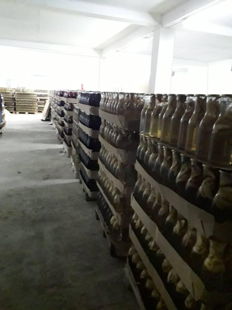 Мал, да удал! 40 000 бутылок укупорены в Абхазии к новогодним праздникам с помощью устройства УУ-5