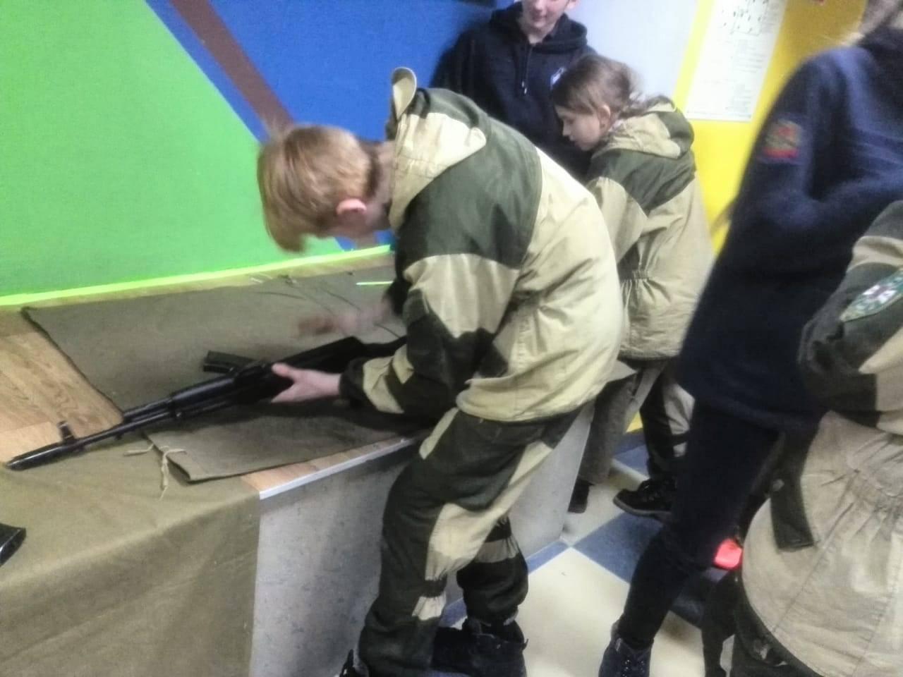 Воспитанники ВПК «Ястреб» при ГУФСИН Кузбасса приняли участие в спортивном соревновании «Зарничка»