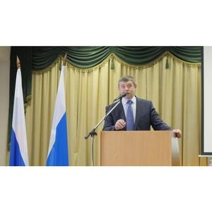 Виктор Кокшаров поздравил студентов университета с праздником
