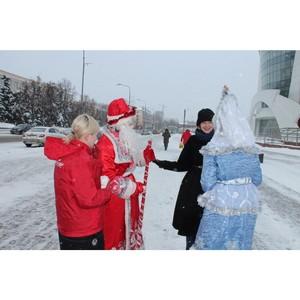 Дед Мороз и Снегурочка поздравили жителей Саранска со Старым Новым годом