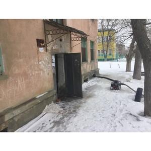 јктивисты ќЌ' добились устранени¤ протечек в жилом доме в расноокт¤брьском районе ¬олгограда
