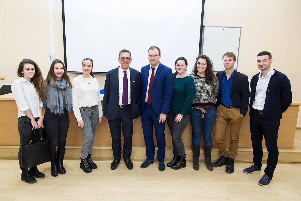 «Час дипломата»: УРГЭУ посетил генеральный консул Франции в Екатеринбурге