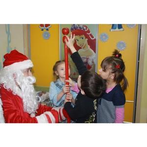 Удмуртэнерго зажгли «самые яркие ёлки» для детей в приютах и детских домах
