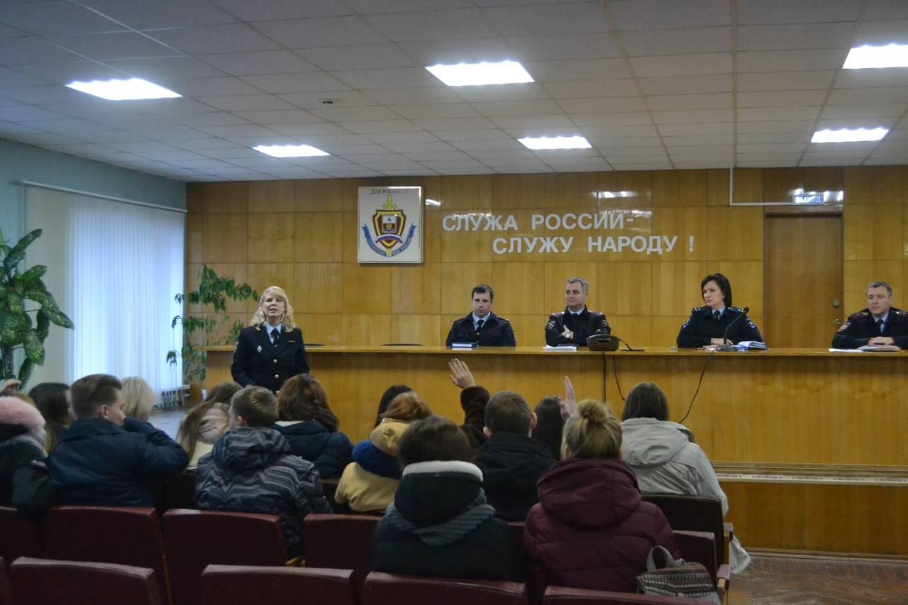 Студенты Дзержинского филиала РАНХиГС приняли участие во Всероссийской акции «Студенческий десант»