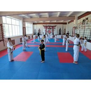 В десяти сельских школах Карачаево-Черкесии капитально отремонтировали спортивные залы