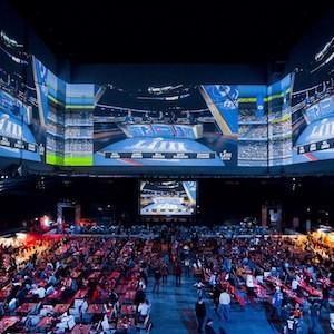 В Music Media Dome состоялась самая масштабная в России встреча поклонников Super Bowl