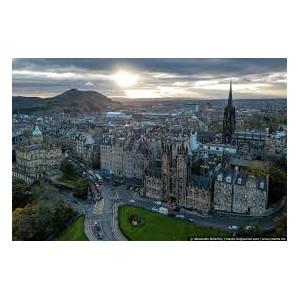 Эдинбург первым из британских городов введет туристический налог