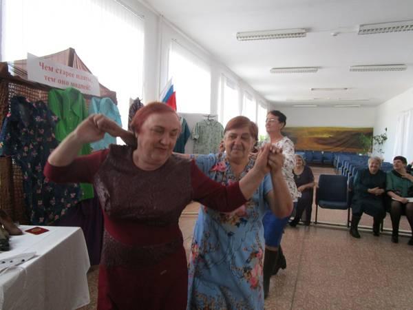 Тематическая встреча ветеранов КП-2 в женском клубе «Современница» прошла в Доме культуры поселка
