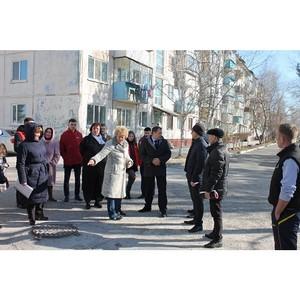 ќЌ' призвал власти Ѕлаговещенска устранить нарушени¤ при ремонте набережной и городских дворов