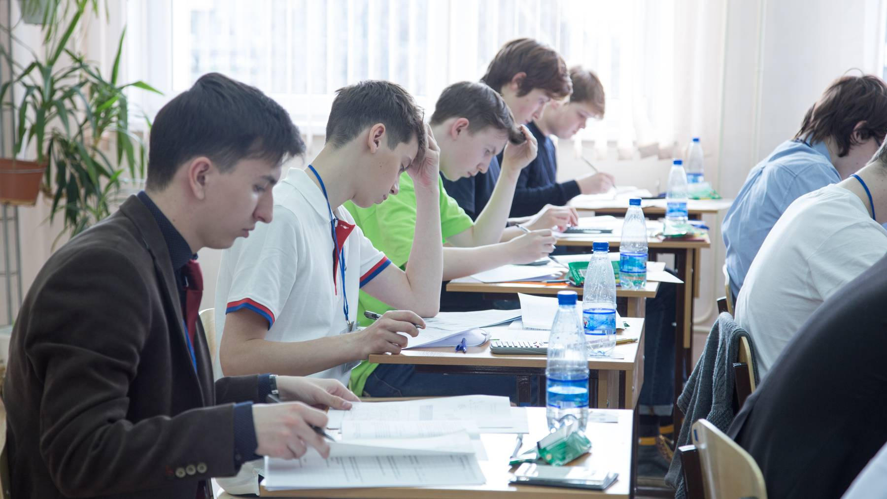 Российские школьники соревнуются за победу в этапе Всероссийской олимпиады по итальянскому языку