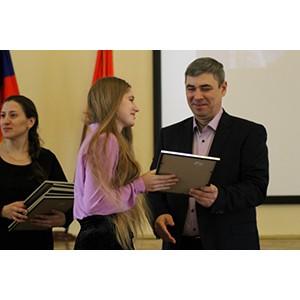 ОНФ в Петербурге наградил победителей конкурса детского рисунка «Рисунки победы. Малая дорога жизни»