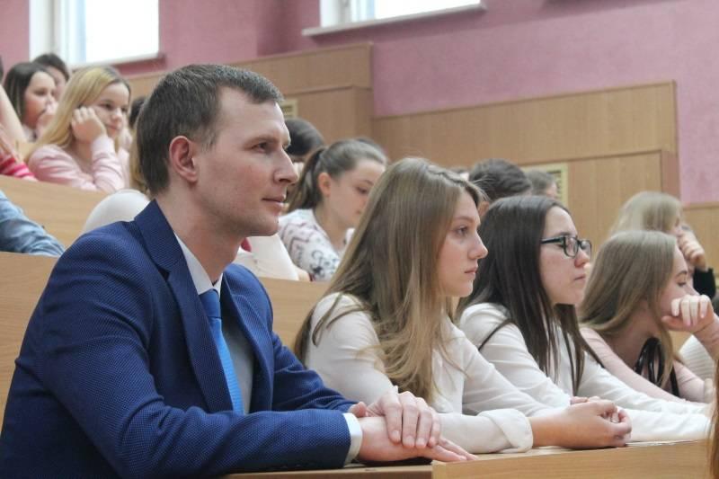 Активисты ОНФ в Мордовии провели со студентами пединститута беседу о правильном разделении мусора