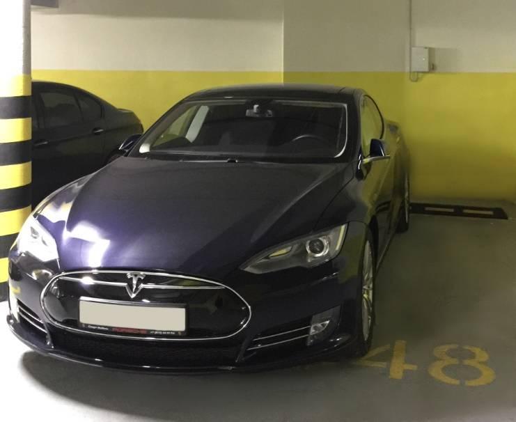 В ЖК «Леонтьевский Мыс» установили заправку для электромобилей Tesla