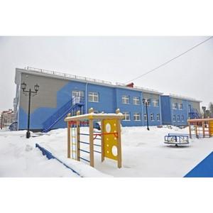 ¬ладимир —еменов выделит средства из депутатского фонда на обустройство парковки возле детского сада