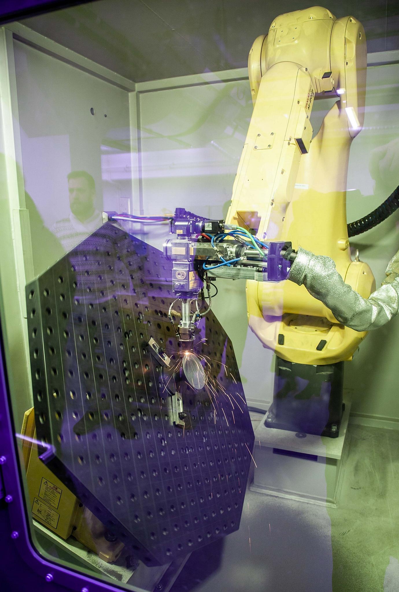 Новая лаборатория Корабелки - центр развития лазерных технологий