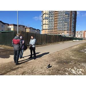 ОНФ призвали власти Петербурга отказаться от планов отдать под парковки газоны в Выборгском районе