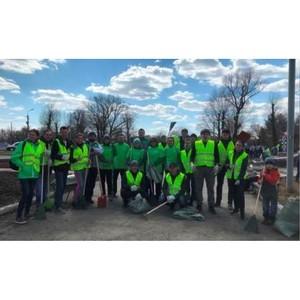 Волонтеры Омского завода AB InBev Efes вышли на субботник