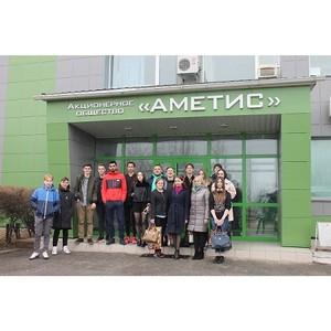 Амурские активисты ОНФ познакомили молодежь с деятельностью предприятий
