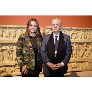 В Государственном Эрмитаже открылась выставка «Боги, люди, герои» при поддержке Компании Lavazza