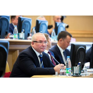 В. Семенов прокомментировал законопроект, устраняющий дискриминацию в доступе к товарам и услугам