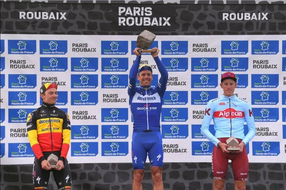 Гонщики команды Deceuninck – Quick-Step стали победителями главной велогонки года
