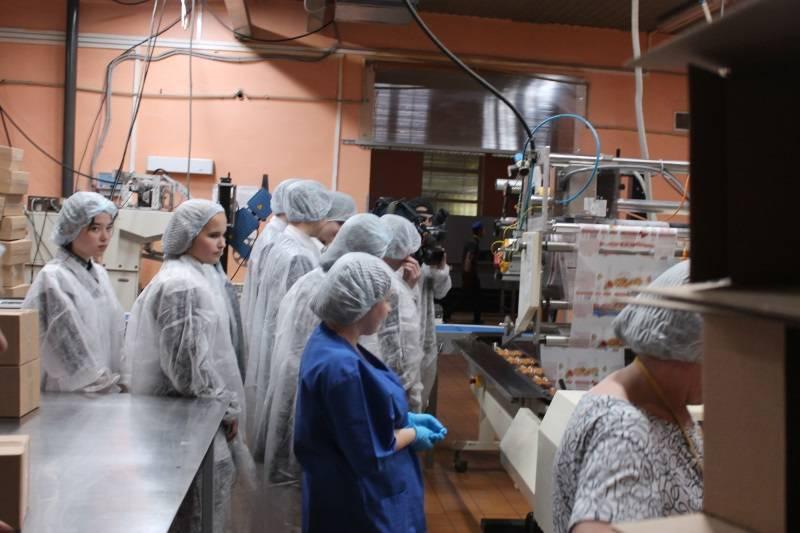 Активисты ОНФ в Мордовии организовали для школьников экскурсии на Большеберезниковский хлебозавод