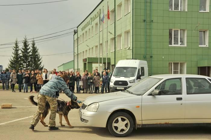 В Смоленской таможне прошёл День открытых дверей