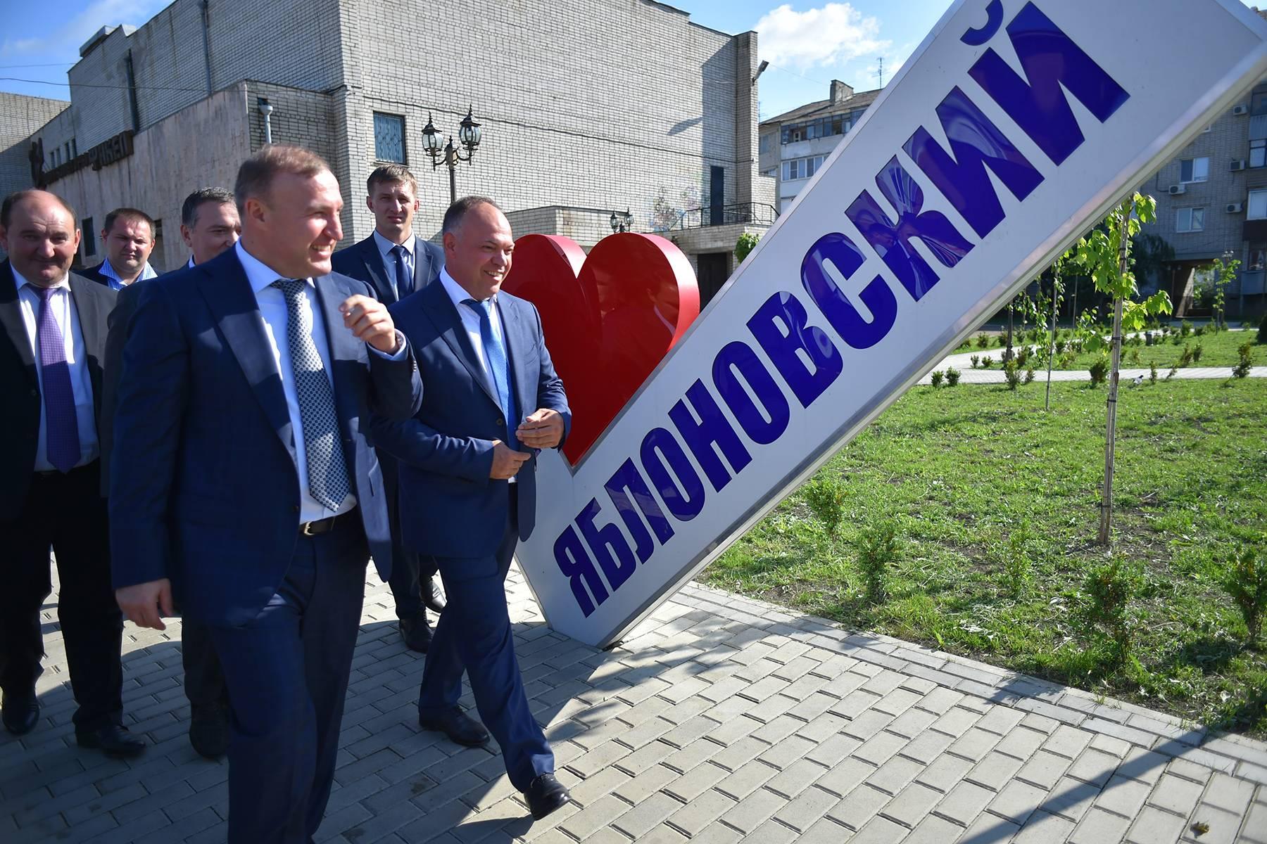 """ћурат умпилов оценил благоустройство общественных территорий в """"ахтамукайском районе"""