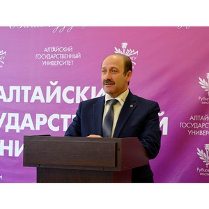 Муниципальная власть в шаговой доступности: встреча студентов с главой города Д.З. Фельдманом