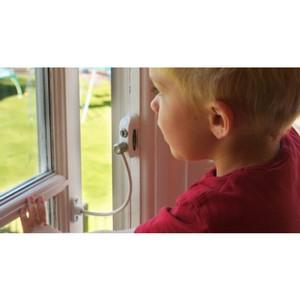 –ошаль: ¬ домах необходимо устанавливать ограничители на окнах, чтобы предотвратить выпадение из них детей