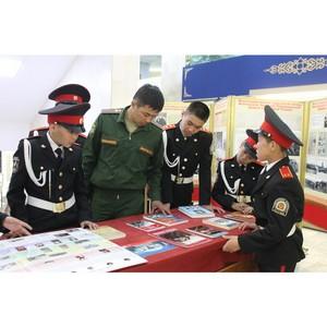 В школах Кызыла прошла акция ОНФ «Урок Победы – Бессмертный полк»