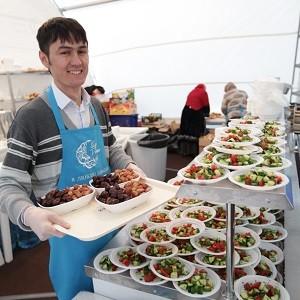 При поддержке БФ «Сафмар» Михаила Гуцериева стартовала благотворительная акция «Шатер Рамадана»