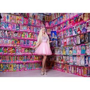 1800 раритетных кукол Барби собрала девушка из России