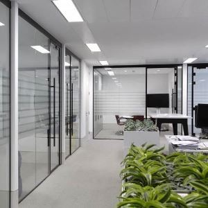 Стеклянные офисные перегородки Zerist