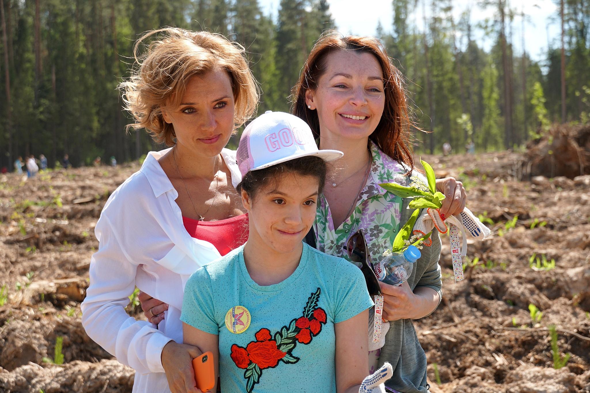 Благотворительный фонд «Я есть!» посадил 20 тысяч саженцев «Удивительного леса» под Красногорском