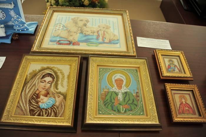 В Смоленской таможне состоялась выставка в рамках фестиваля искусств «Золотой кадуцей»