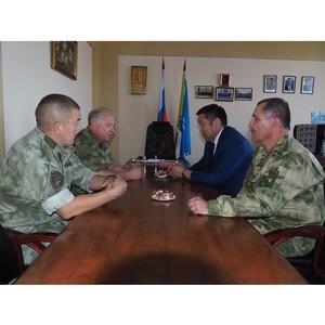 Командующий Сибирским округом ВНГ генерал-полковник Виктор Стригунов прибыл в Туву с рабочим визитом