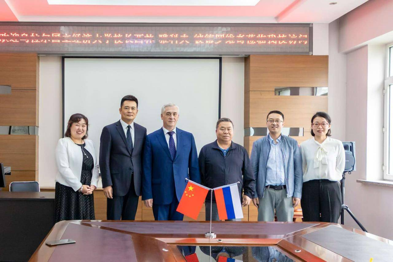 Ректор УРГЭУ Яков Силин посетил вузы Китая