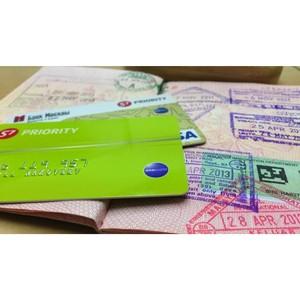 Банк в кармане: с какой картой отправляться в путешествие?