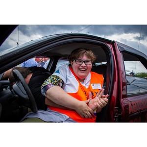 В Тюмени прошла социальная акция «Автоледи – за культуру вождения»