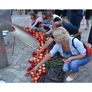 Сотрудники АО «ТНС энерго Тула» зажгли «Свечу памяти»