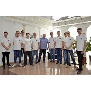 Директор Тамбовэнерго вручил удостоверения бойцам стройотряда