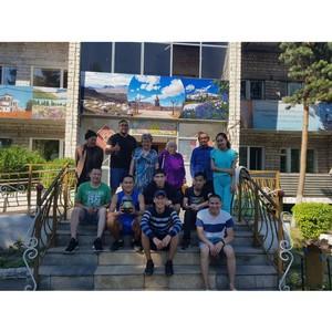 «Молодежка ОНФ» в Туве помогла кызылскому дому-интернату для престарелых с сезонными работами