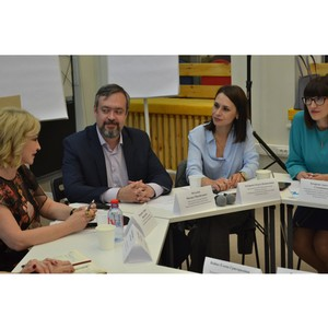 Общественности представили результаты мониторинга, посвященного вопросам женской самореализации.