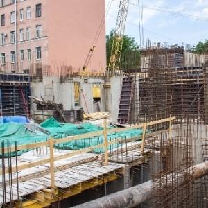 Выполнена большая часть работ по усилению дома на Выборгской, 4