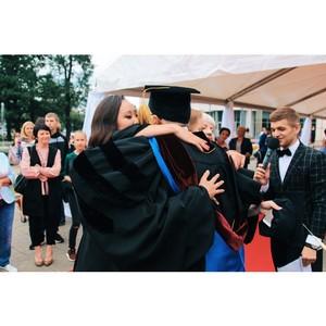 Вручение дипломов с отличием в НИУ МГСУ