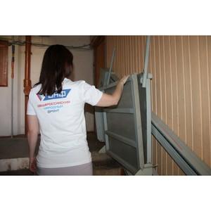 ОНФ в Коми помог установить первый автоподъемник в многоквартирном доме для инвалида-колясочника